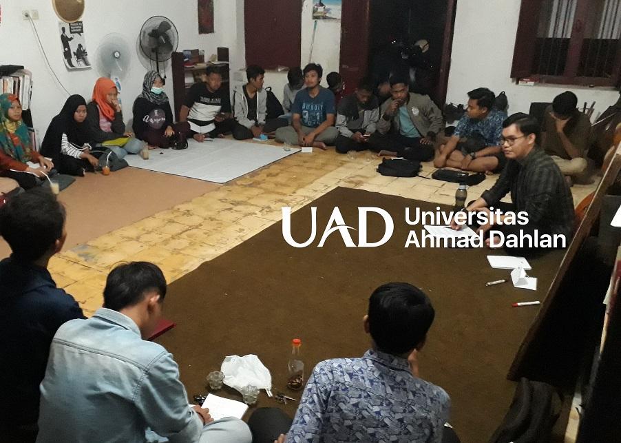 diskusi-f.hukum-uad