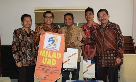 Balon berhadiah untuk masayarakat Gunungkidul dari UAD.jpg