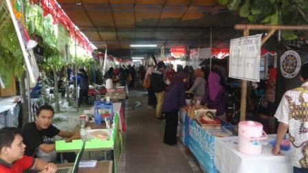 UAD Bentuk Wirausahawan Muda Dengan Bazar
