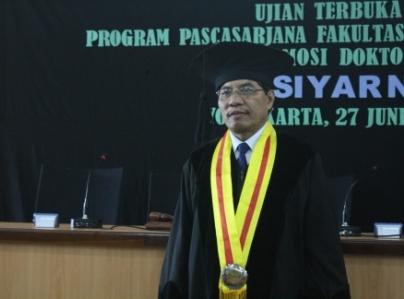 Disela-sela Kesibukan Rektor UAD Kasiyarno Raih Gelar Doktor