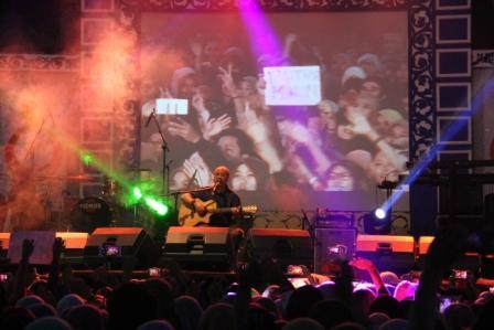 Galang Dana untuk Banjar Negara di Konser Ebiet G Ade dan Adera (4).jpg