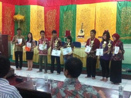 Ikuti OFI 6 di Padang, Farmasi UAD Rebut Perunggu.jpg