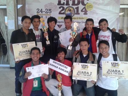 Juara Boyong 3 Tropi Tim Robot UAD Pertahankan Tradisi Juara.jpg