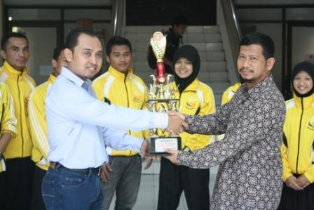 Tapak Suci UAD Raih Juara Umum III di Unair Cup Surabaya