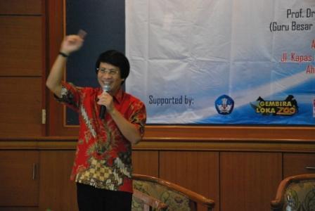 Seminar Nasional: Peran Pendidikan dan Islam  dalam Menghadapi Perubahan Sosial
