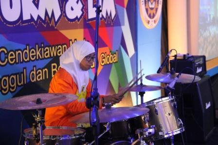Mengenal Drummer Wanita UAD.jpg