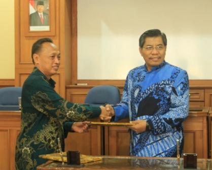 Fisika UAD Tambah Bidang Metrologi  MoU dilakukan dengan Balai Metrologi Yogyakarta
