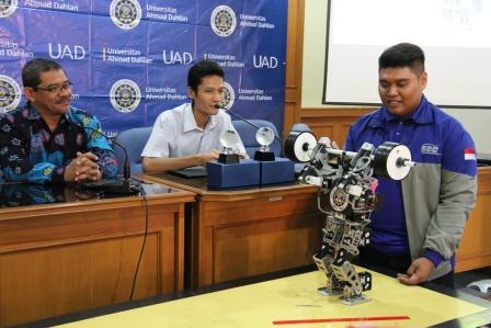 robot_uad_juara_di_korea.jpg
