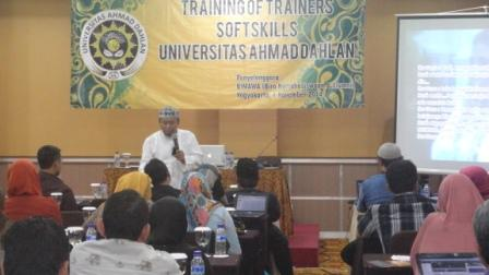 UAD adakan Training of Trainer 1.jpg